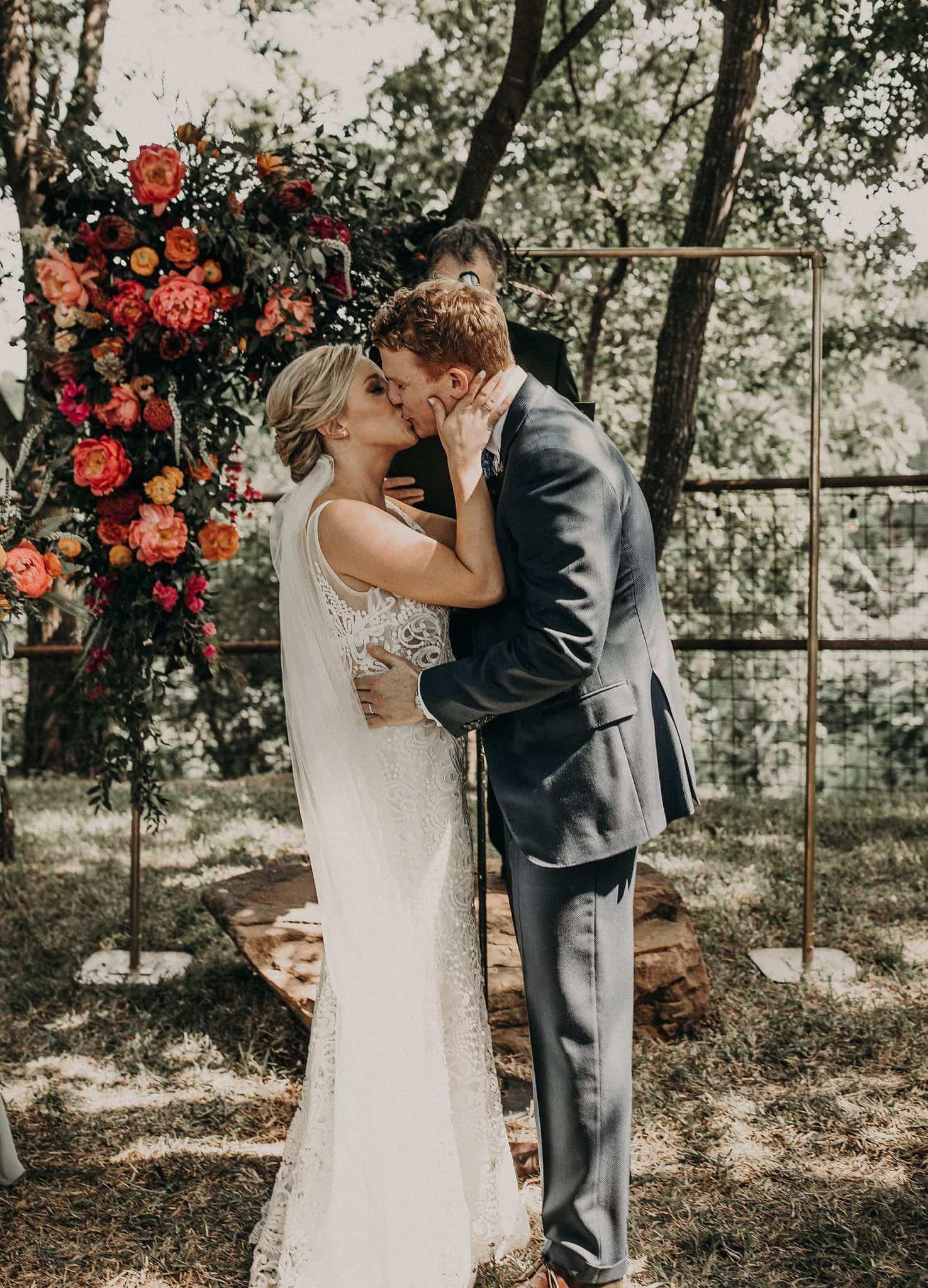 kiss at the altar austin texas